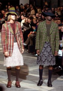 Männer in Frauenkleidern